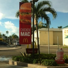 Photo taken at McDonald's by Susanna M. on 9/29/2013