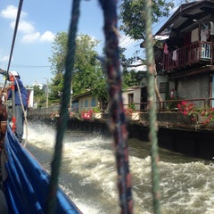 Photo taken at ท่าเรือโรงเรียนวิจิตรวิทยา (Vijitvittaya School Pier) E12 by TuNn S. on 5/30/2015