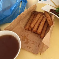 Photo taken at Blk 216 Bedok North Street 1 Hawker & Food Centre by Joey.wjy on 9/15/2015