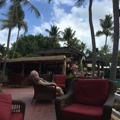 Photo taken at Bolongo Bay Beach Resort by Frank R. on 2/29/2016