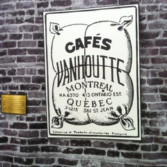 Photo taken at Van Houtte Café Bistro by WiLL on 10/2/2012