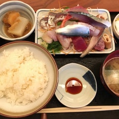 Photo taken at 魚鐵 by Yeonsang S. on 1/18/2016