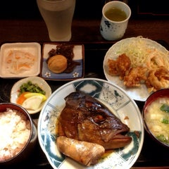 Photo taken at 和食料理 花邨 by Matio M. on 4/1/2014