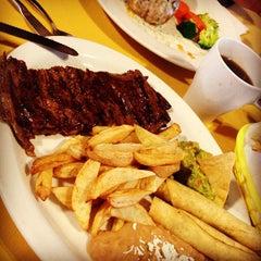 Photo taken at Restaurante Mustafa by kwit g. on 12/16/2012
