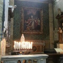 Photo taken at Chiesa di San Luigi dei Francesi by Emre Ö. on 6/29/2013