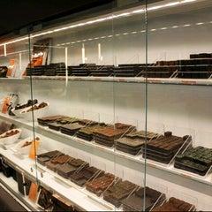 Photo taken at Artisan du Chocolat by BKK_FLYER on 11/25/2012