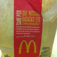 Photo taken at McDonald's by Gisele G. on 11/6/2012