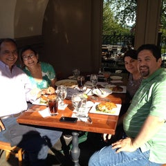 Photo taken at The Boulevard Inn & Bistro by Fernando G. on 5/25/2014