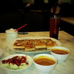 Photo taken at Zam Zam Restaurant by Siti A. on 5/3/2013