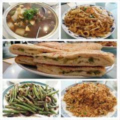 Photo taken at Darda Seafood 清真一條龍 by John W. on 6/11/2014