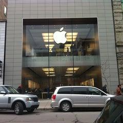 Photo taken at Apple Store, Sainte-Catherine by Manon B 🌈🌺😍 on 4/20/2013