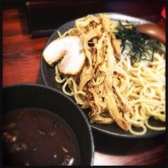 Photo taken at 麺処 田ぶし by Akira Matsuoka Y. on 8/16/2015