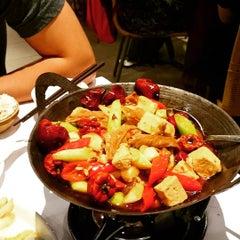 Photo taken at 1010新湘菜館 Pop Hunan Cuisine by Yu-Min K. on 8/15/2015