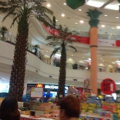 Photo taken at The Mall Nakhon Ratchasima (เดอะมอลล์นครราชสีมา) by A Pickiio Z. on 10/16/2013