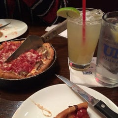 Photo taken at Uno Pizzeria & Grill - Frederick by Susan R. on 1/19/2015