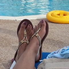 Photo taken at Westwind II by EVRentals Hotel Nassau by Garril J. on 8/30/2013