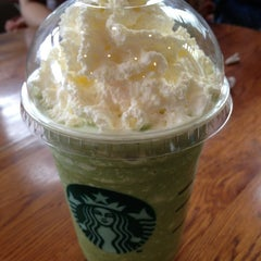 Photo taken at Starbucks by Fransiska S. on 5/26/2013