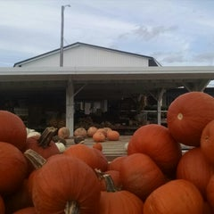 Photo taken at Pearce's Farm Stand by Ryan W. on 10/10/2014