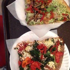 Photo taken at Cafe Viva Gourmet Pizza by Tania G. on 6/5/2014