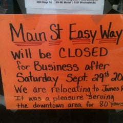 Photo taken at Easy Way by Elle P. on 9/28/2012