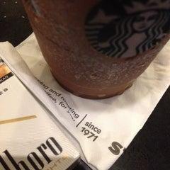 Photo taken at Starbucks by Adth P. on 11/17/2015