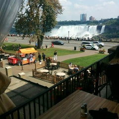 Photo taken at Edgewaters Restaurant by Andrew S. on 8/30/2015