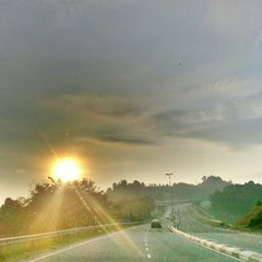 Photo taken at •The SUN - Twilight, Dawn, Dusk, Twilight - The SUN• by Ujang  • V§ •™ on 4/1/2013