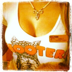 Photo taken at Hooters by Lars-Erik R. on 12/15/2012