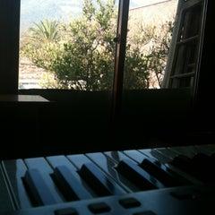 Photo taken at Escuela De Musica Enarmonia by Matías G. on 5/23/2013