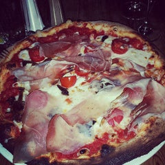 Photo taken at Pizzeria Pappagone by Morena F. on 8/3/2013