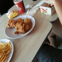 Photo taken at KFC by Jay'26 on 7/18/2013