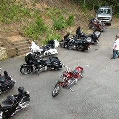 Photo taken at Ironhorse Motorcycle Lodge by Robert R. on 7/18/2013