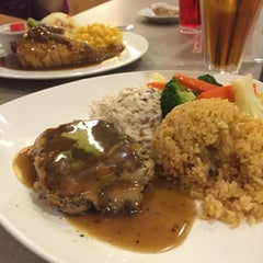 Photo taken at Kenny Rogers Roasters (KRR) by AkIm H. on 3/29/2015