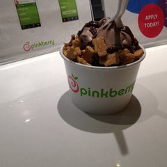 Photo taken at Pinkberry by A-a-Ron on 6/10/2013