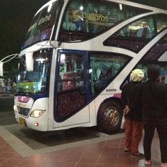 Photo taken at สถานีขนส่งผู้โดยสารจังหวัดลําปาง (Lampang Bus Terminal) by Pornthep N. on 1/21/2013
