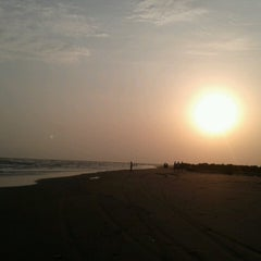 Photo taken at Morjim Beach by Edsil C. on 5/24/2013