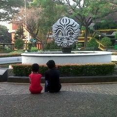 Photo taken at Fakultas Ekonomi dan Bisnis by Dean H. on 6/14/2015