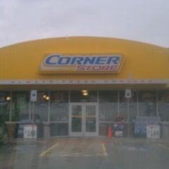 Photo taken at CORNER STORE by ʝυѕтωнιтиєу on 3/22/2012
