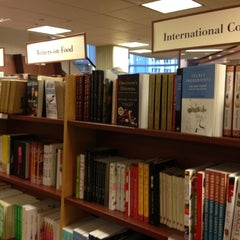 Photo taken at Chapters by Rossy E. on 11/18/2012