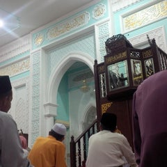 Photo taken at Masjid Ridzwaniah by achai n. on 9/24/2015