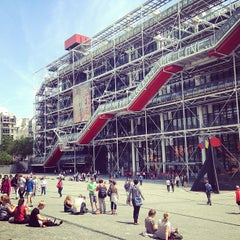 Photo taken at Centre Pompidou – Musée National d'Art Moderne by Hz H. on 6/17/2013