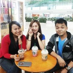Photo taken at Starbucks by Tanti S. on 1/10/2015