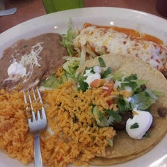 Photo taken at Lindo Mexico Restaurant by Kandie M. on 8/9/2013