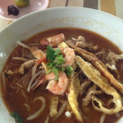 Photo taken at T-Not Laksa by Fareiny M. on 3/2/2013