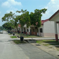 Photo taken at KK2, Universiti Malaysia Pahang by Arysha I. on 7/25/2013