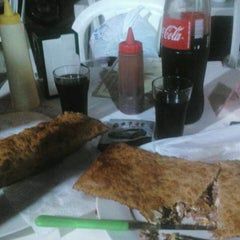 Photo taken at 20 Comer Lanches by s -. on 6/2/2013