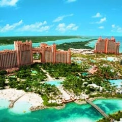Photo taken at Atlantis Paradise Island Casino & Resort by Letizia on 4/8/2013