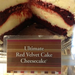 Photo taken at The Cheesecake Factory by Orlando L. on 9/29/2012