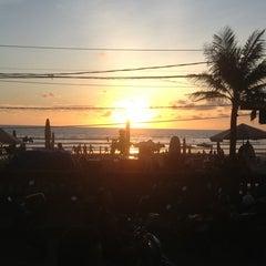 Photo taken at Dejavu Club & Lounge by Ev G. on 2/24/2014