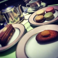 Photo taken at Ladurée لادوريه by MaYeD on 6/20/2013